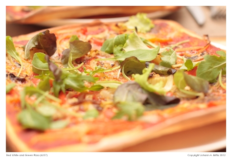 Red-White-and-Green-Pizza-(6237)